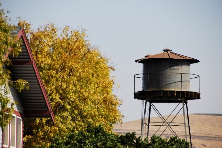 stockvault-water-tank-in-the-foothills101556